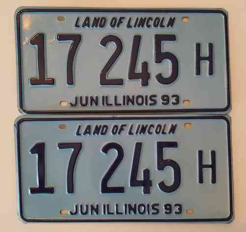 Genuine License Plate USA - ILLINOIS - Lot of 2 same plates