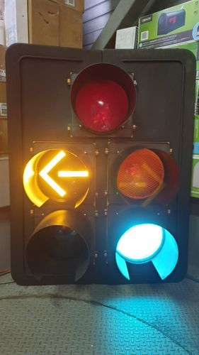 American Traffic Lights Dog House